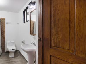 A bathroom at Hotel Olimpia