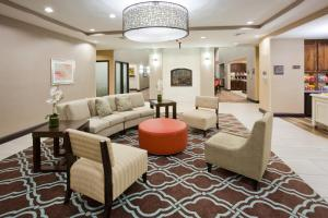 A seating area at Homewood Suites Davenport