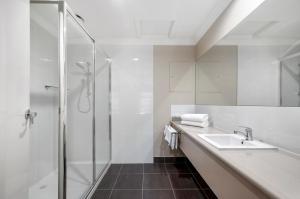 A bathroom at Bridges on Argyle