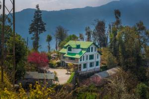 A bird's-eye view of Indrakeel Farmstay by Vista Rooms