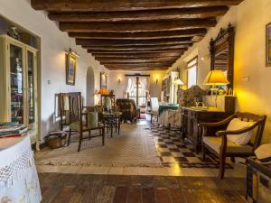 A restaurant or other place to eat at Cortijo del pino