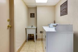 A bathroom at Comfort Suites Oakbrook Terrace near Oakbrook Center