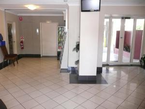 The lobby or reception area at Parramatta City Motel