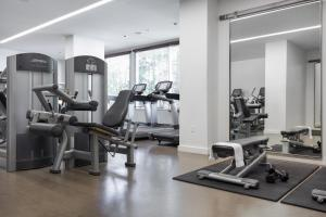 The fitness center and/or fitness facilities at The Modern Honolulu By Diamond Resorts