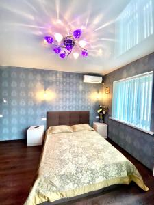 Кровать или кровати в номере 2 х комнатная квартира на Лермонтова, Набережная