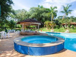 A piscina localizada em Cep Lago Hotel Ecológico E Pousada ou nos arredores