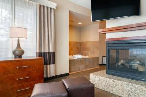 A television and/or entertainment center at Comfort Suites Canal Park