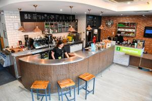 The lounge or bar area at YHA London St Pancras