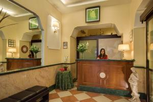 The lobby or reception area at Hotel Romantica
