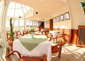 Restaurace v ubytování Hotel Flora