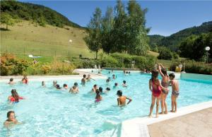 The swimming pool at or near Village de Gîtes de Chanac