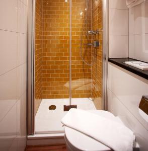 A bathroom at Hotel Europa Life