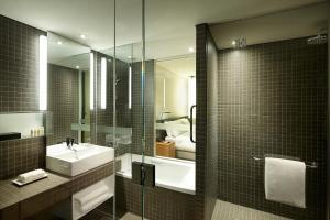 A bathroom at Shilla Stay Gwanghwamun