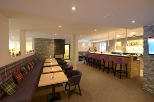 A restaurant or other place to eat at Alpenhotel Fleurs de Zermatt