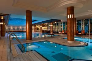 The swimming pool at or near City Hotel Dresden Radebeul