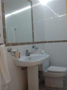 A bathroom at Resort Spa de lujo Mijas Costa