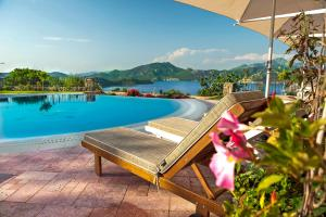 Piscina di Swan Lake Hotel - Adult Only o nelle vicinanze