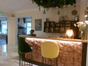 Salon ou bar de l'établissement Hotel Espadon