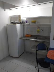 A kitchen or kitchenette at Studio Boa Viagem