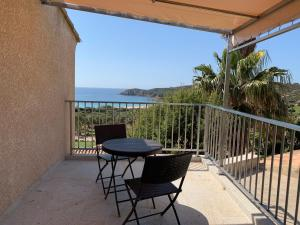 A balcony or terrace at Résidence de Vacances Marina d'Arone