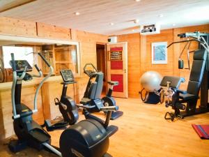 The fitness centre and/or fitness facilities at Les Grands Montets