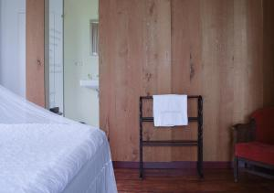Een bed of bedden in een kamer bij Bed and Breakfast Batenborg