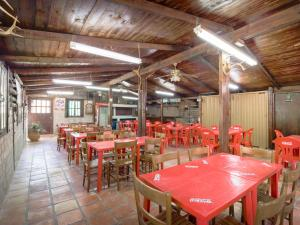 A restaurant or other place to eat at Capital O Santa Rosa