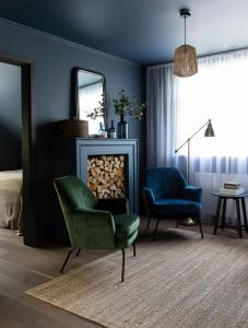 A seating area at INNI - Boutique apartments