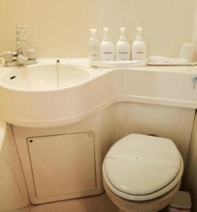 A bathroom at Hotel Empire in Shinjuku