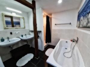 Ein Badezimmer in der Unterkunft Ferienhaus am Horn
