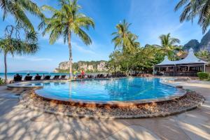 Der Swimmingpool an oder in der Nähe von Railay Bay Resort & Spa