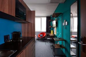 A kitchen or kitchenette at TSH Amsterdam West