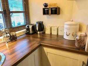 Coffee and tea-making facilities at Greencourt Loft