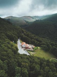 A bird's-eye view of Hotel Venta de Ulzama