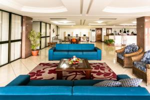 The lobby or reception area at Hotel Verdemar