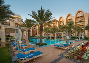 The swimming pool at or near Simply Comfort - Private Sarai Apartments, Beach, Pool, Gym
