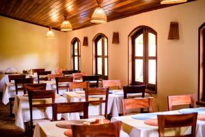 A restaurant or other place to eat at Hotel Vento Brasil