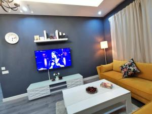 A television and/or entertainment center at La saphir marrakech