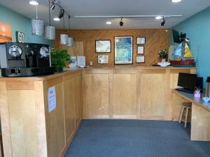 The lobby or reception area at Cape Pines Motel Hatteras Island