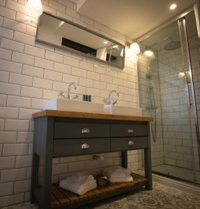 A bathroom at The Highway Inn
