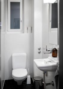A bathroom at Gasthaus zum Guten Glück