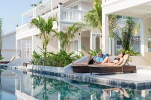 Бассейн в Mercury Phu Quoc Resort & Villas или поблизости