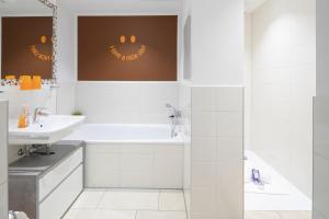 Ein Badezimmer in der Unterkunft Mein Appartement Hürth Köln