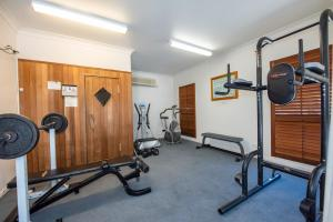 The fitness center and/or fitness facilities at Coral Cay Resort