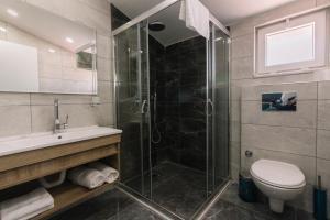 Un baño de Melrose House Hotel
