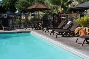 The swimming pool at or near Oxford Suites Chico