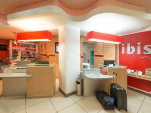 Ein Badezimmer in der Unterkunft ibis Limoges Centre