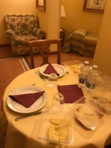 Ein Restaurant oder anderes Speiselokal in der Unterkunft Residenza d'Aragona