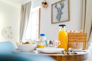 Breakfast options available to guests at La Maison Gustave