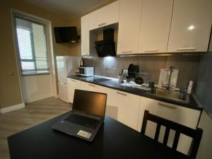 A kitchen or kitchenette at ZelApart 17
